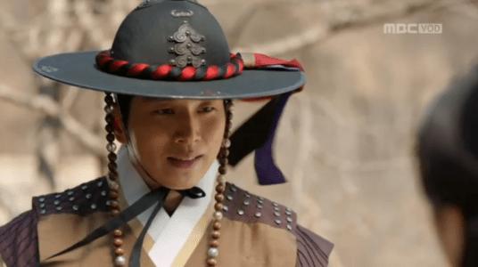 「君主(クンジュ)~仮面の主人~」第7話 ガウンを迎えに来るヒョンソク