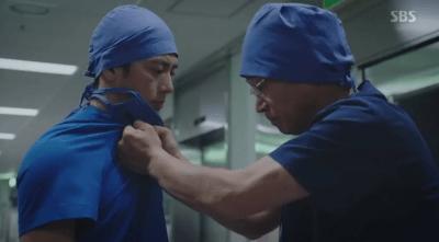 [胸部外科]~心臓を盗んだ医師たち~ 第31話,第32話 テスを殴るヒョニル