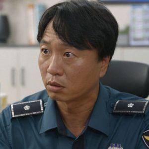 韓国ドラマ「椿の花咲く頃」ピョン所長