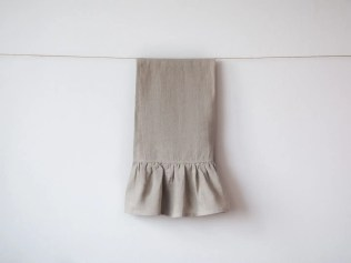 kitchen cloth with frill