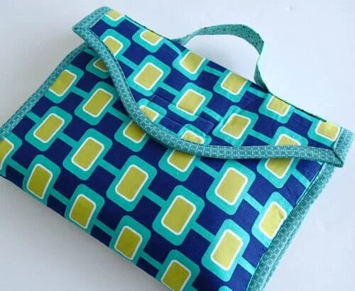 Baby Changing Mat - Free Sewing Pattern in 2 Sizes