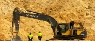 Las autoridades retuvieron la maquinaria pesada utilizada en la explotación minera.