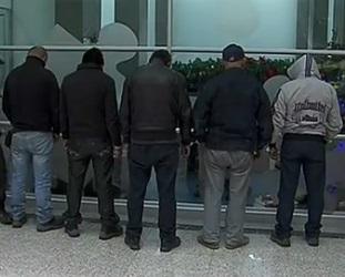 En el operativo cinco hombres de nacionalidad mexicana fueron detenidos.
