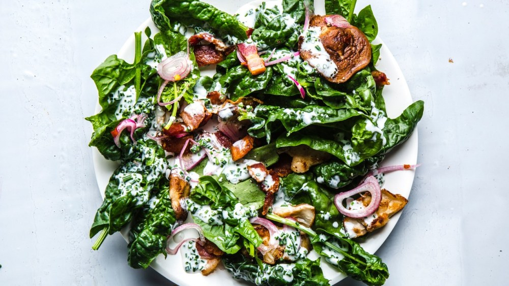 classic-spinach-salad