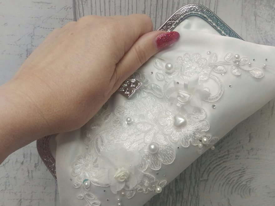wedding clutch bag produced with featured pattern