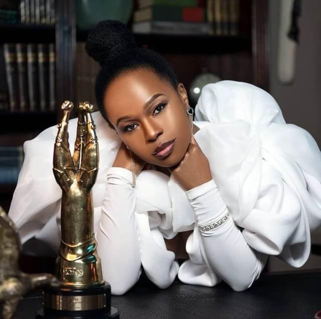 Sindi Dlathu Biography: