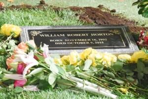 will-hortons-gravestone-doo
