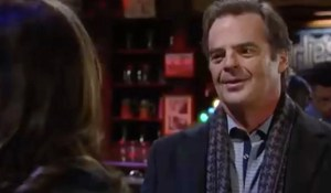 ned-sees-alexis-at-charlies-gh-abc