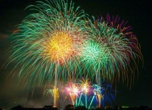 fireworks-180553_1920