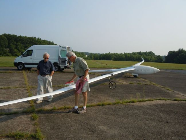 2012-05-25 - Concordia First Flight - Woody Woodward, Dick, and the looonnngg wings