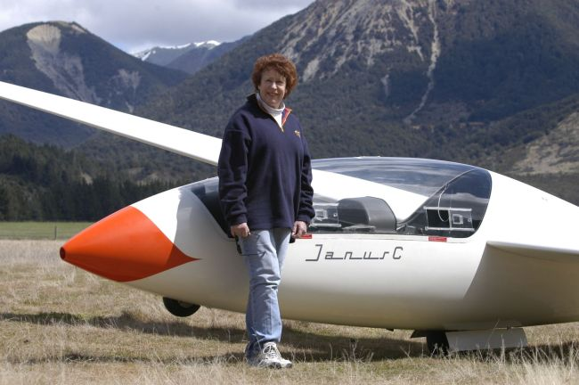 Yvonne Loader -- An accomplished cross country pilot