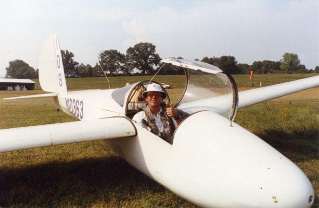 Soaring Café co-founder and U.S. Team pilot Bill Elliott in a 1-26 at Sequatchie Soaring ca. 1990