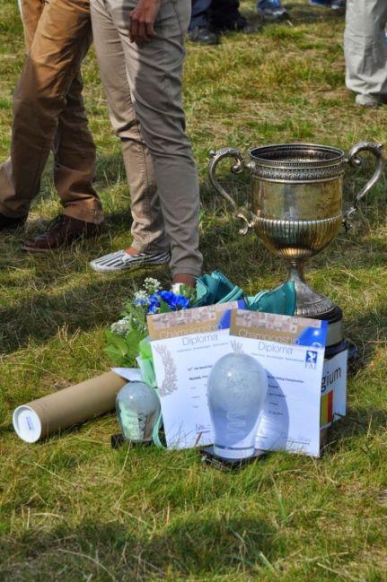 the trophy... by Lilian de Bruijn