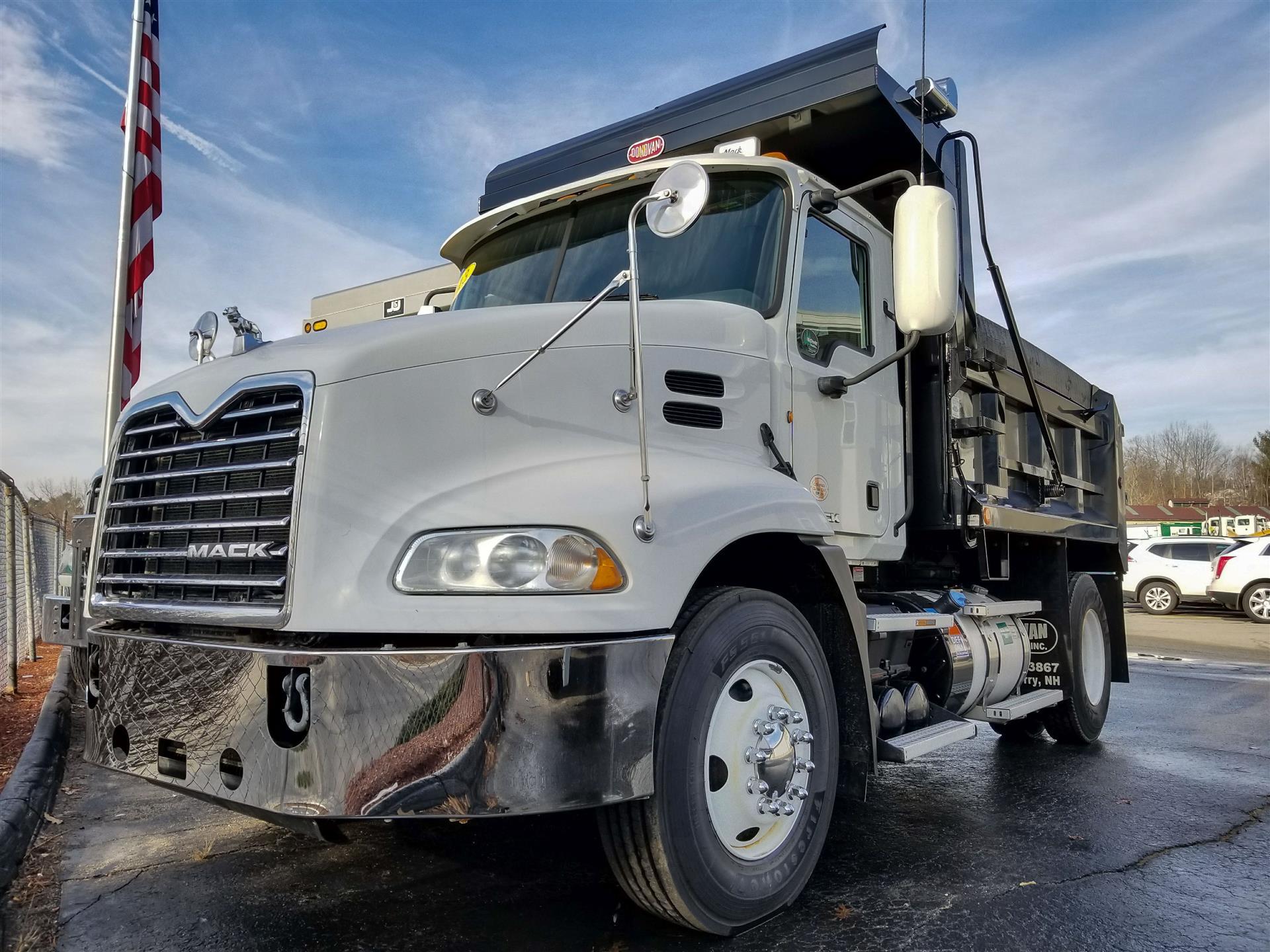 hight resolution of used 2012 mack pinnacle cxu612 dump truck 530695