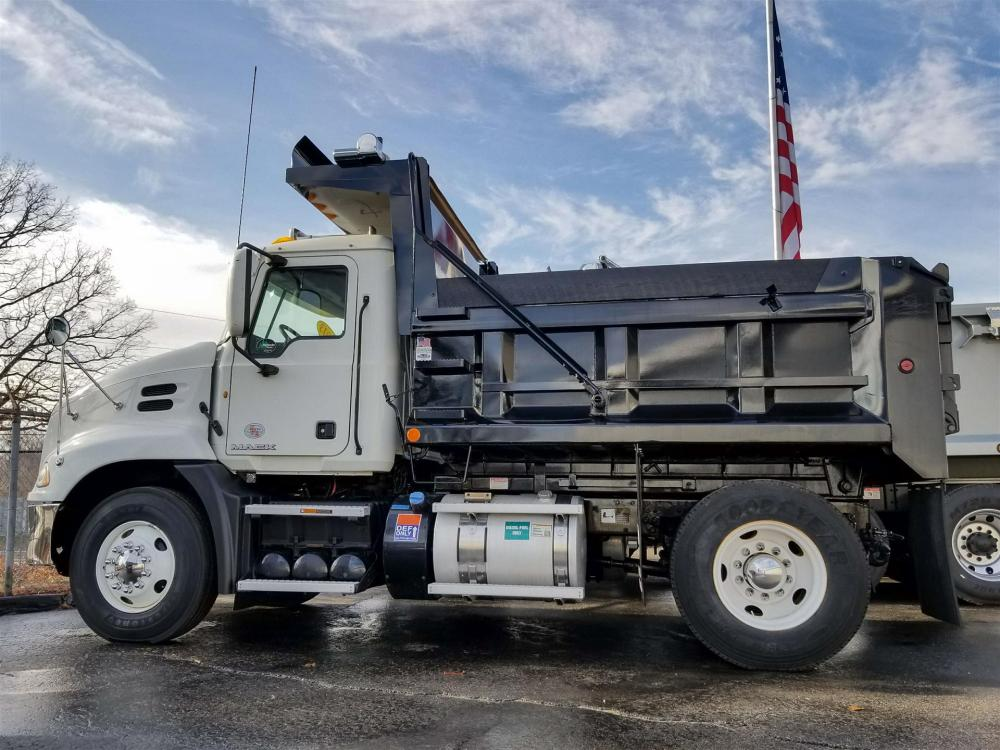 medium resolution of used 2012 mack pinnacle cxu612 dump truck 530695