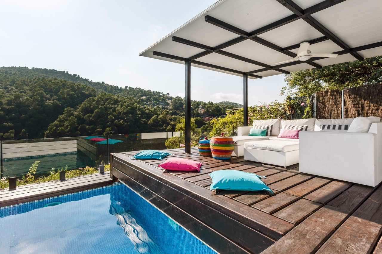 Beautiful Contemporary Mansion facing Collserola Park for sale in Barcelona