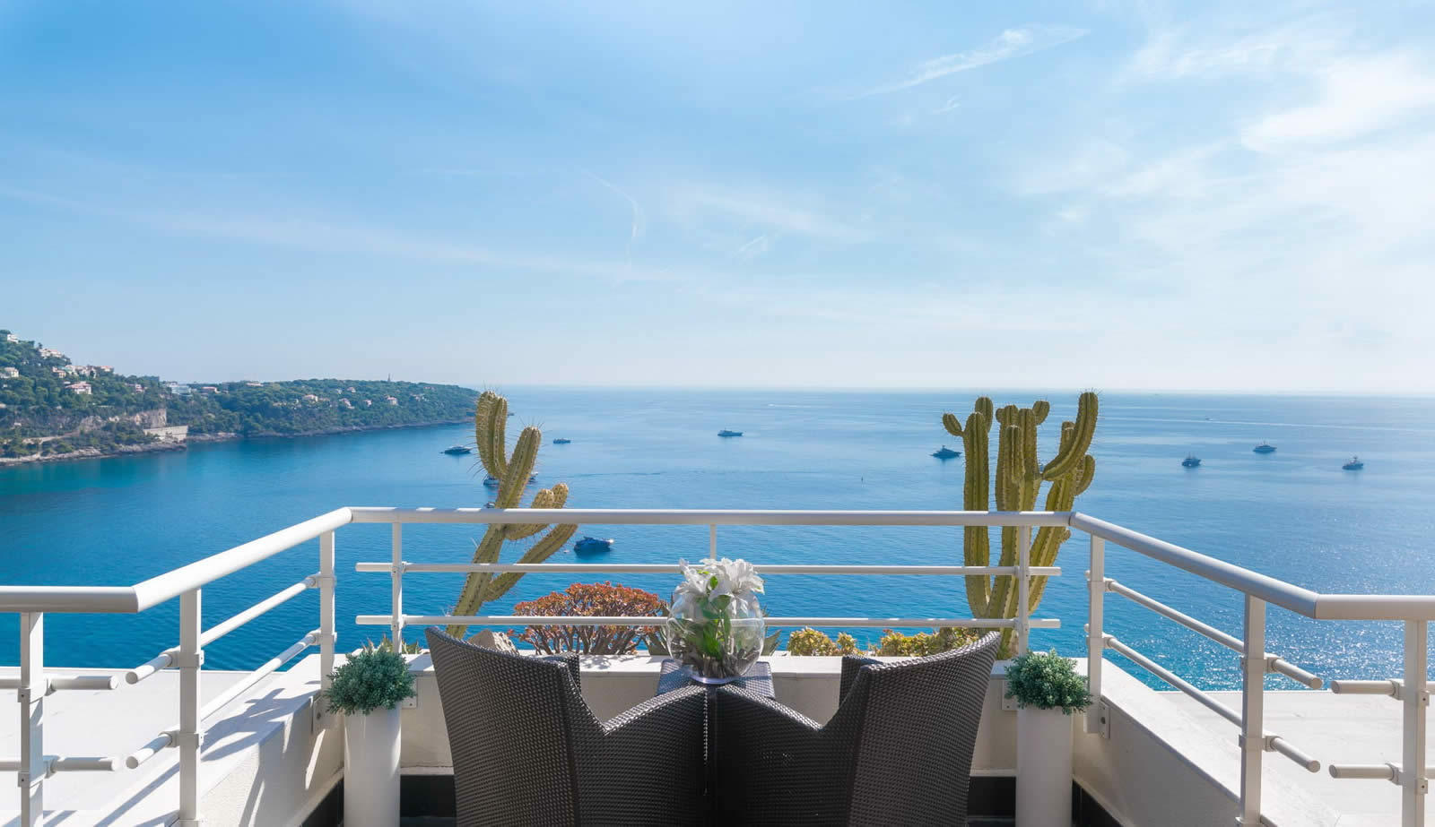 Duplex avec vue mer et sur le Cap Martin  vendre  RoquebruneCapMartin