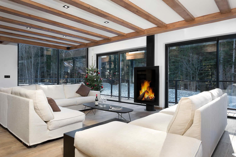 Chalet neuf dexception au design contemporain  vendre  Chamonix  Grandes baies vitres