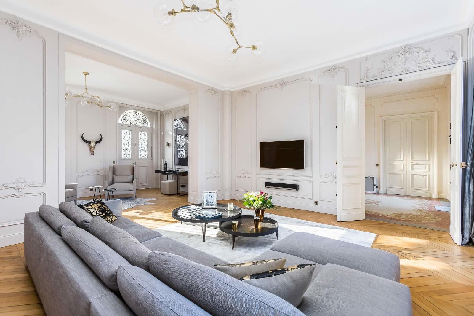 Magnifique maison de maitre  vendre  La Varenne SaintHilaire  Grand parc chemine dpoque