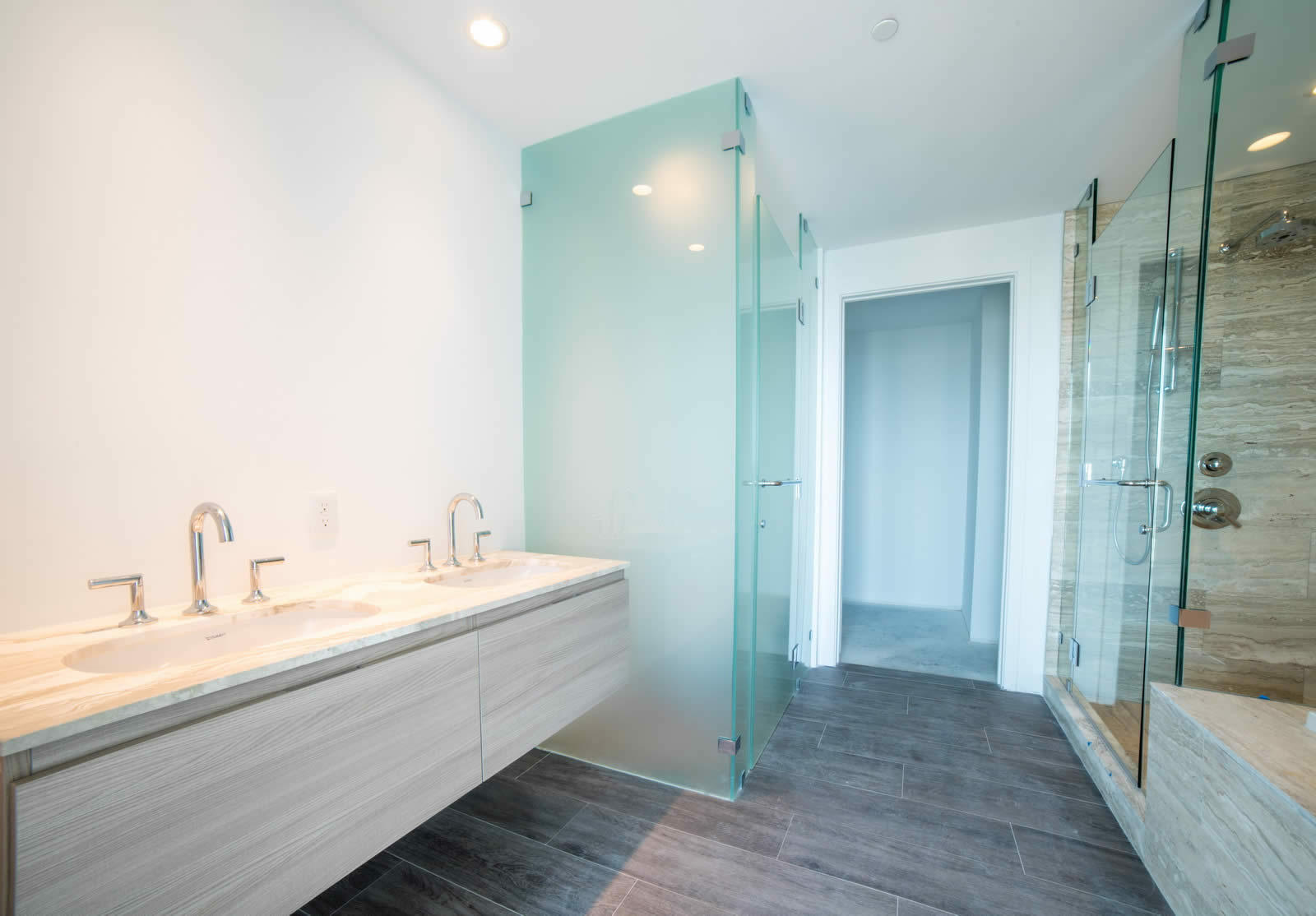 Apartment for sale in Edgewater Miami Upscale Building