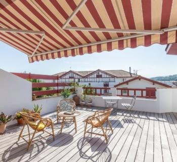 Maison moderne  vendre  Evian  Vranda ferme et chauffe chemine terrasse balcon dans la