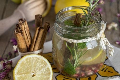 cinnamon lemon detox water