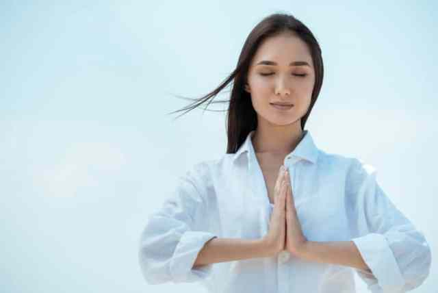 yoga newbies guide to yoga for beginners