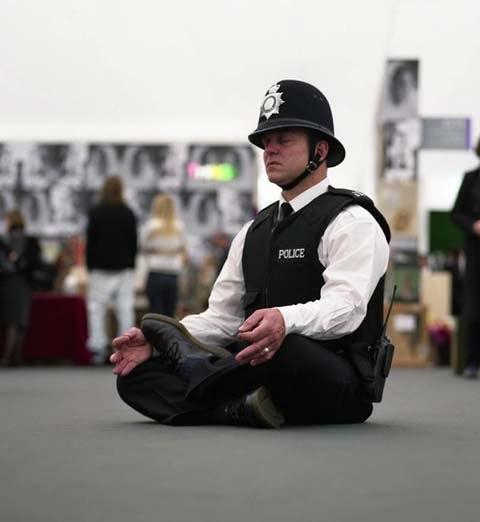 медитация полиция