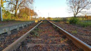 zeleznicna-trat-zeleznica
