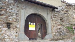 4 - Portál vstupnej brány je už zrekonštruovaný