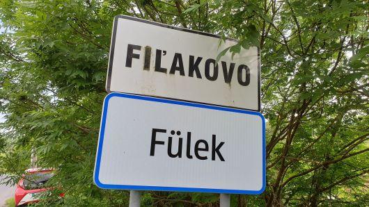 Tabule s označením obcí v jazykoch menšín