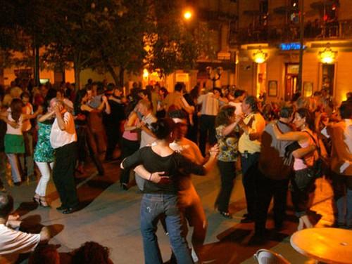 Bailar tango en las milongas de Buenos Aires
