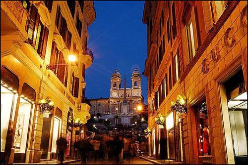 Via Condotti, Roma