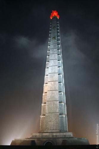 La torre Juche en Corea conmemoracion de un ideal