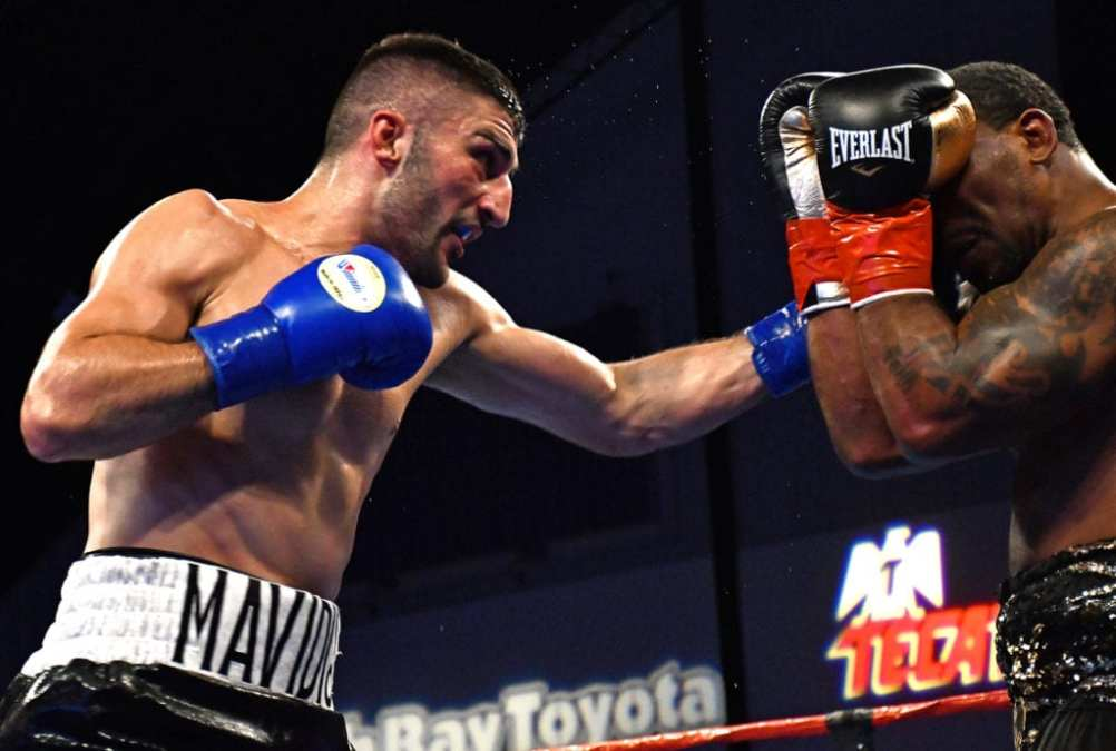 Mavidis Takes UD Over Findley In Epic Battle