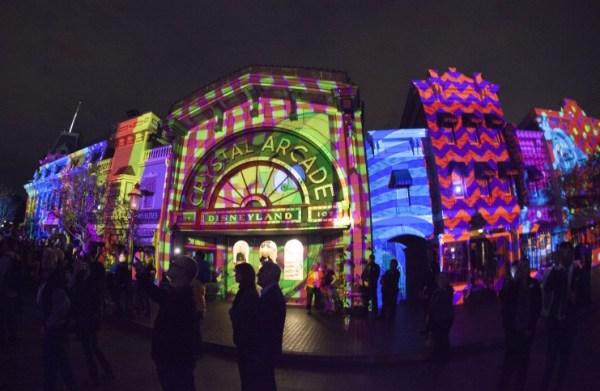 Disneyland-Forever-Lights-Up-Main-Street-U.S.A-1_15_DL_002604-742x483