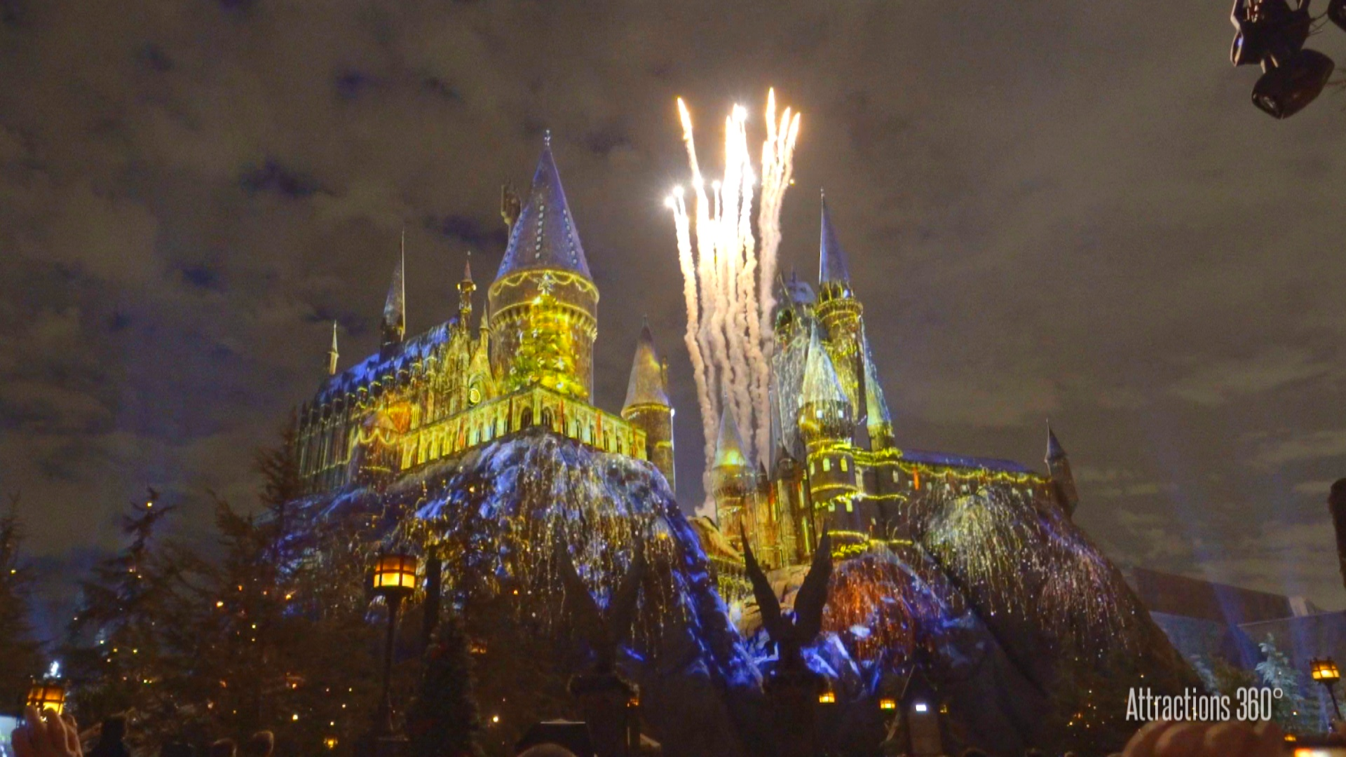 socal attractions 360 christmas in the wizarding world of harry potter universal studios hollywood