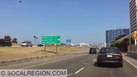 Mileage sign at the 405.