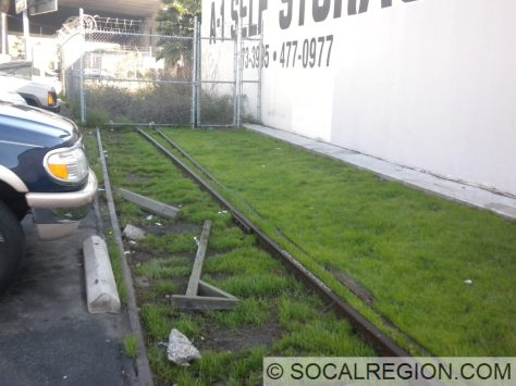 Western switch at Home Junction. I-405 is in the distance. Expo Line is to the right.