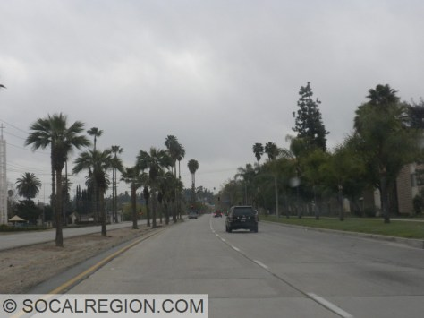 Divided section of Redlands Blvd, like an expressway.