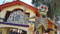 Giant skeletons also decorated in different colors