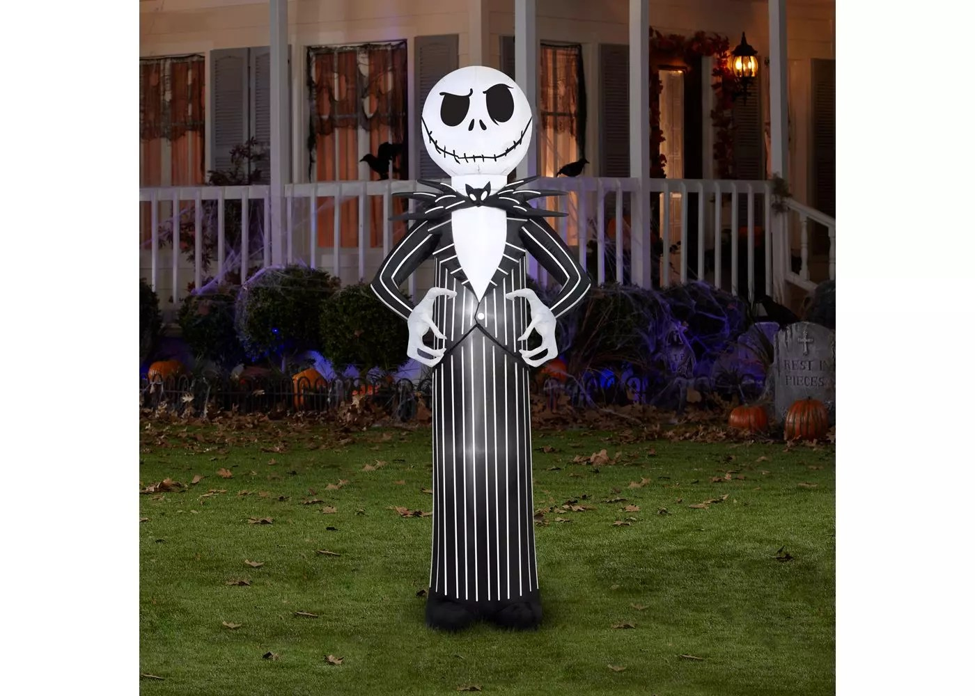 The Pumpkin King awaits his rightful place in your Halloween display!