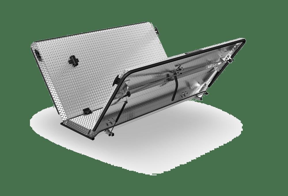 Diamondback covers SE aluminum clear locking cover.