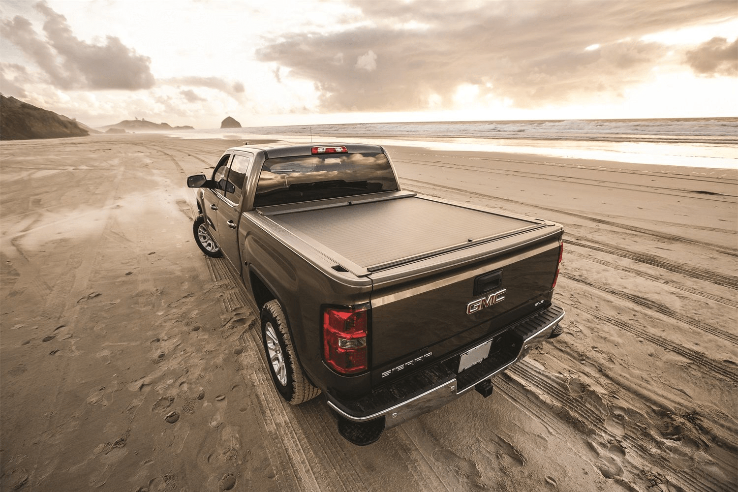 Marketing material of the Roll-N-Lock A Series retractable tonneau cover.