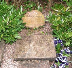 Gelsted's gravsted, hvor også Hans Kirk ligger, på Ordrup Kirkegård.