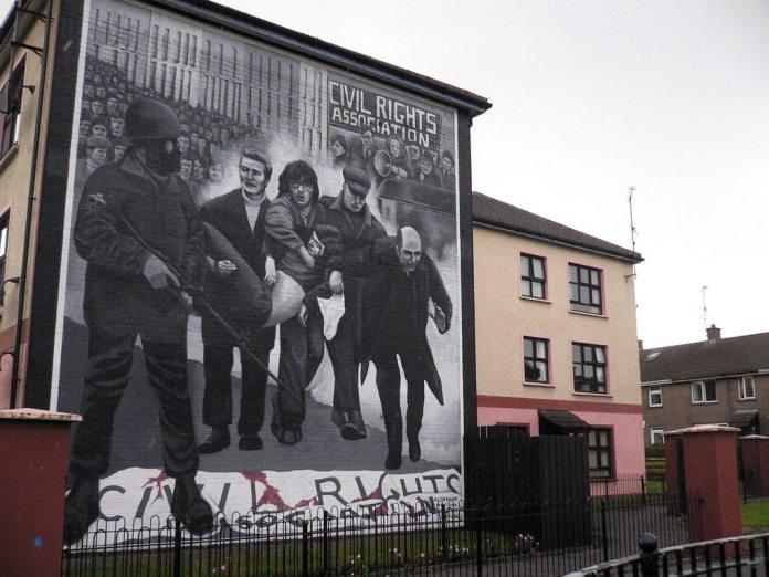 Murmaleri i Derry til minde om Bloody Sunday, foto taget 17. September 2010 af Nina Stössinger