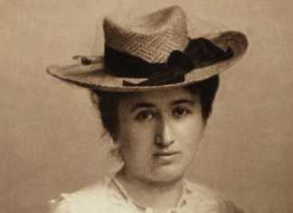Unknown photographer around 1895-1900 – Live portrait of Rosa Luxemburg (1871-1919), a Polish-born German Marxist political theorist, socialist philosopher, and revolutionary