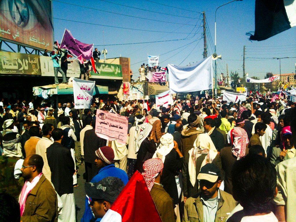 Protester i Yemen, februar 2011. Se