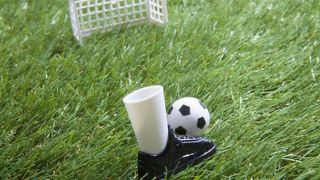 【サッカースパイクの選び方】ポジションや人工芝での使用も考えよう!