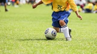瞬発力を鍛えてサッカーのドリブルで相手を抜き去ろう!